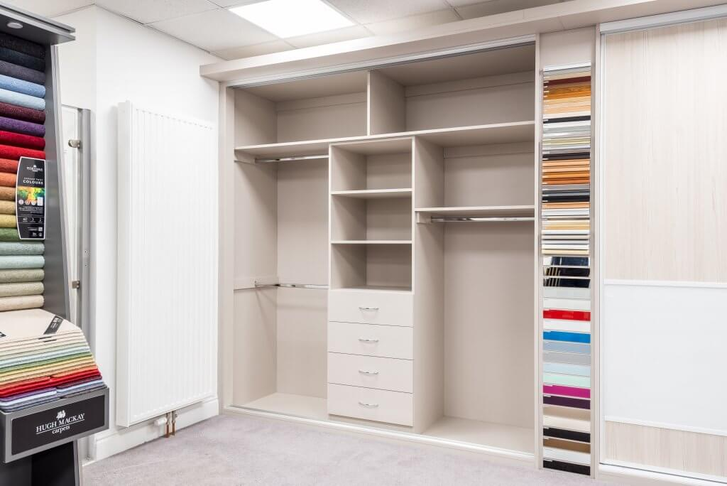 Designing the Perfect Fitted Wardrobe: Shelves vs Drawers vs Hanging Space (Which is Best)?